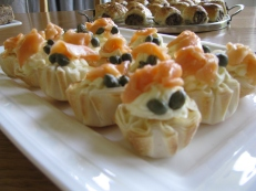 Salmon and cream cheese tarts