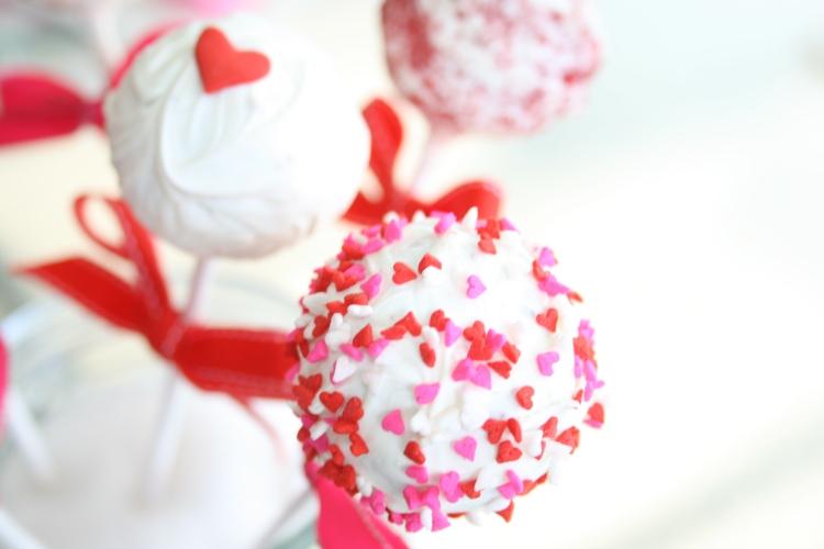 red velvet cake pops3