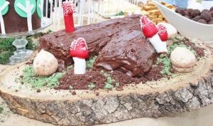 woodland log cake
